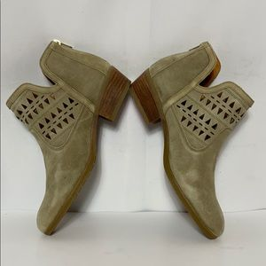 PIKOLINOS Shoes - Pikolinos Tan Perforated Leather Ankle Booties 41